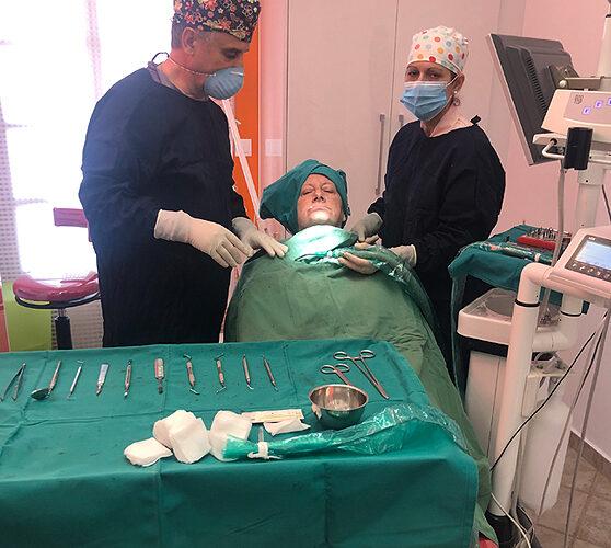 Χειρουργική τοποθέτηση εμφυτευμάτων